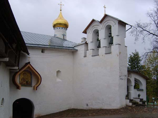 Псково-Печерский монастырь. Достопримечательности Пскова