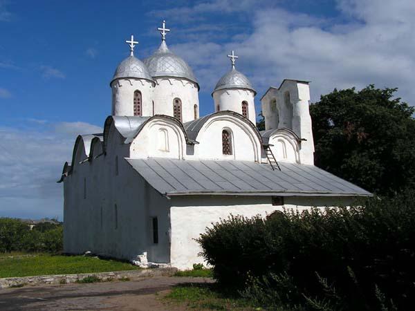 Псковский Иоанно-Предтеченский монастырь