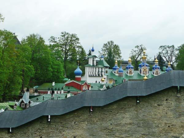 Свято-Успенский Псково-Печерский монастырь. Достопримечательности Пскова