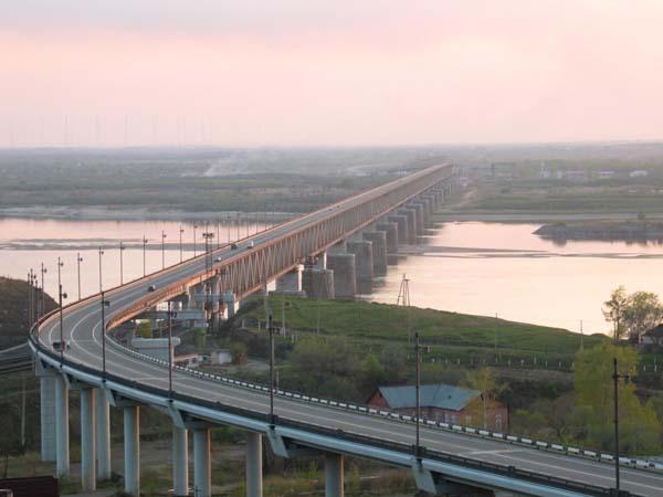 Хабаровский мост через Амур