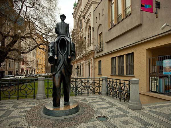 Франц Кафка – иррациональный памятник