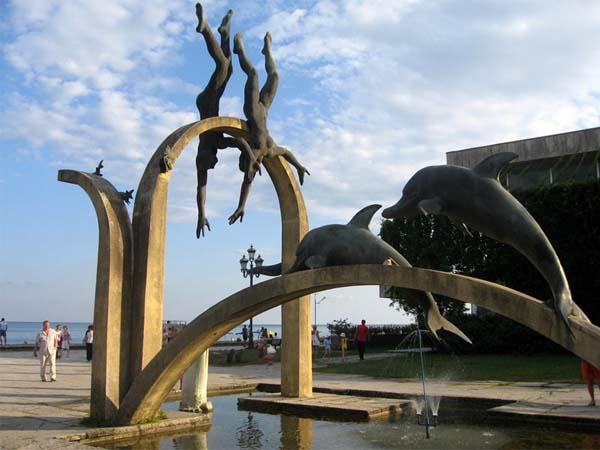 Памятники Абхазии