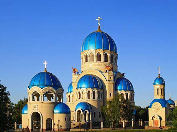 Храм Троицы на Борисовских прудах в Орехове-Борисове (Москва)