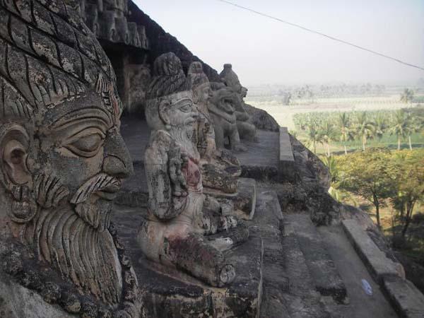 Пещерный храм бога Шивы