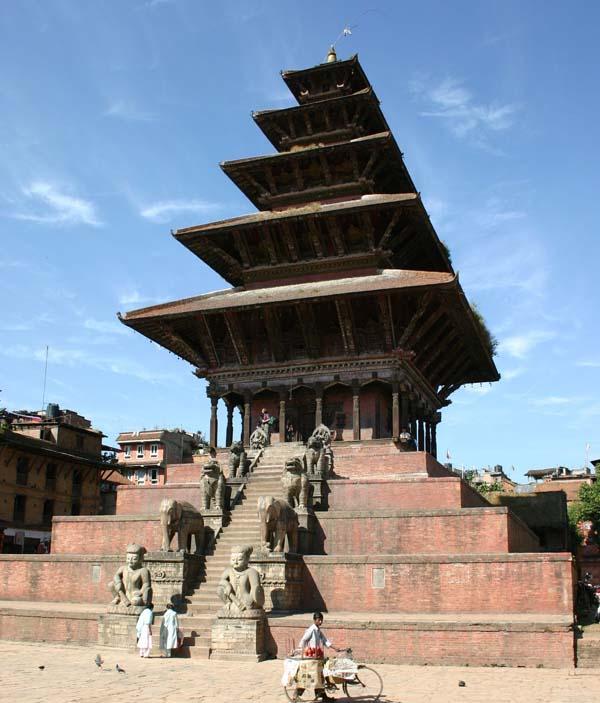 Храм Ньятапола