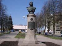Памятник Гарееву
