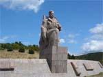 Памятник морякам революции в Новороссийске