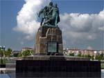 Памятник погибшим морякам в Новороссийске