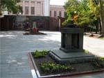 Площадь Героев в Новороссийске