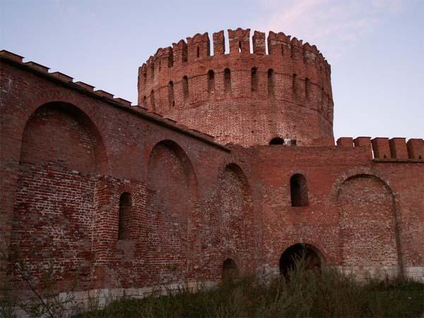 Достопримечательности Смоленска: Смоленская крепостная стена
