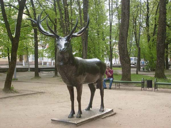 Памятник Оленю в Смоленске