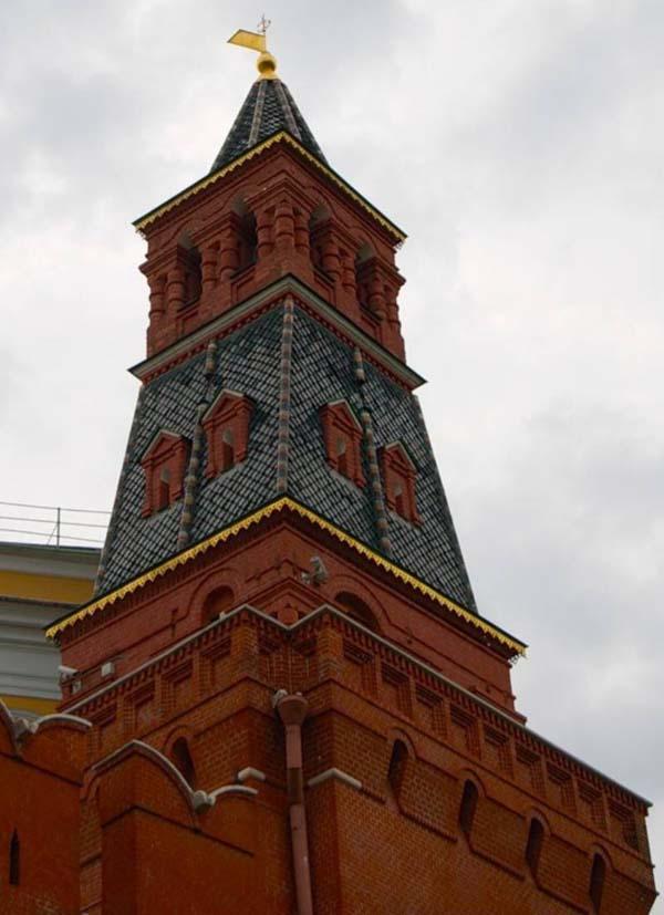 Комендантская или Колымажная башня