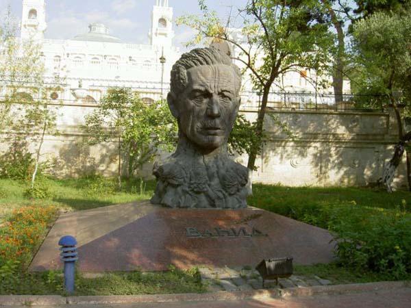 Бюст Алиага Вахида