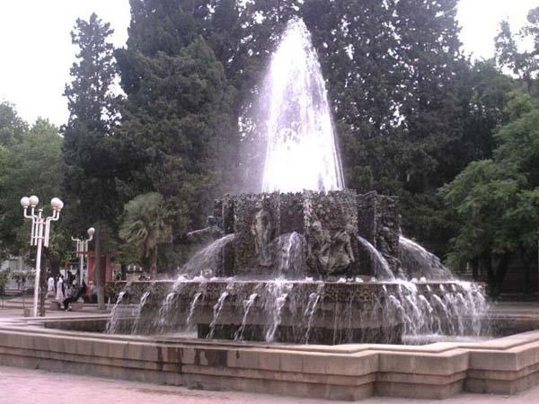 Композиция-фонтан «Семь красавиц»