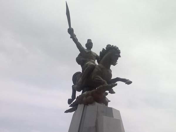 Памятник Кёроглы