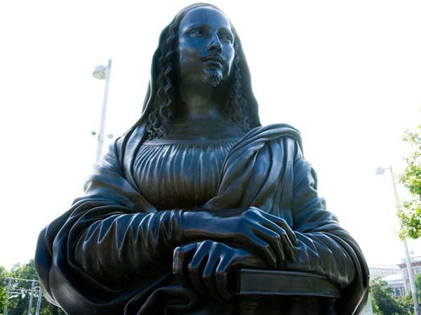 Памятник Моне Лизе в Вене («Это ты, Дюшан?»)