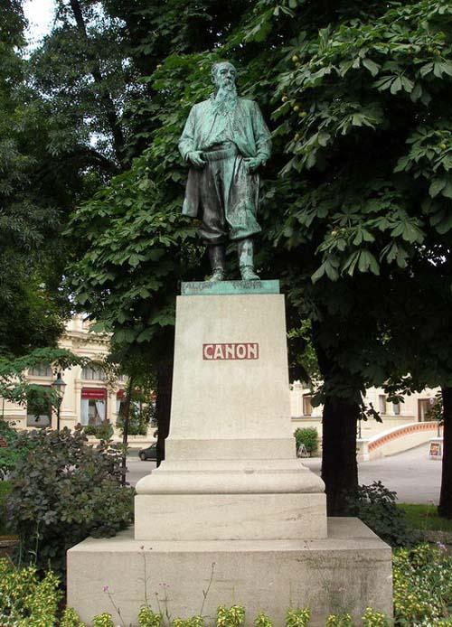Памятник художнику Кэнону в Вене