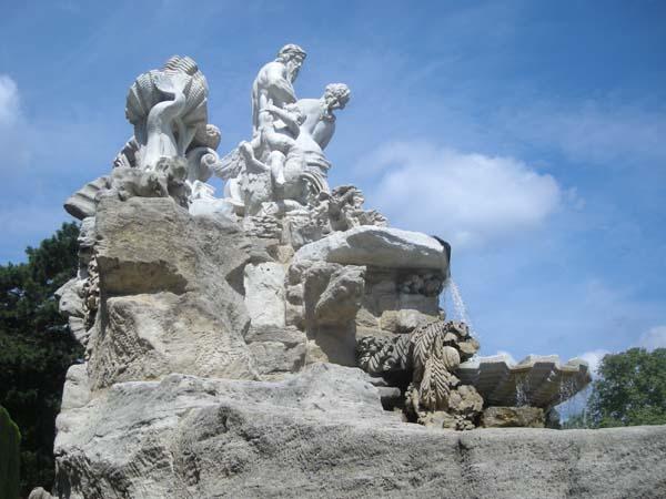 Шенбрунн сад в Вене. Фонтан Нептуна