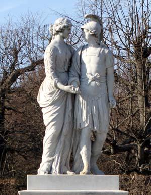Скульптура Александр и Олимпиада