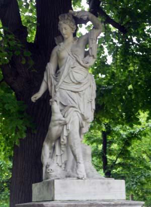 Скульптура Диана