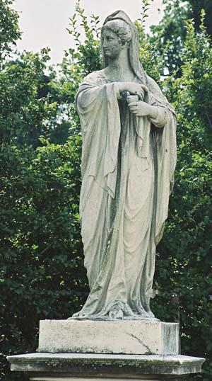 Скульптура Весталка