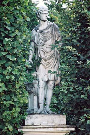 Статуя Гай Mucius Scaevola