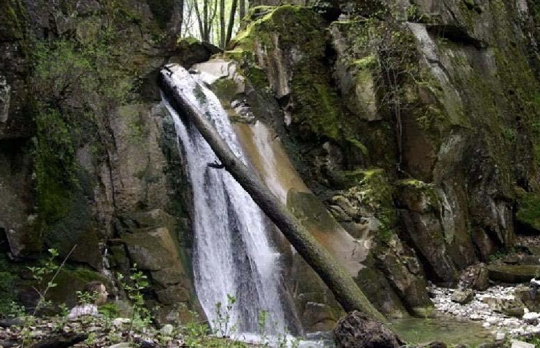 Водопад Графские развалины